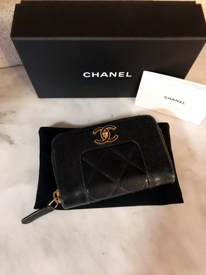 Chanel Black Diamond Quilted Mademoiselle Compact CC Zip Wallet Image 3