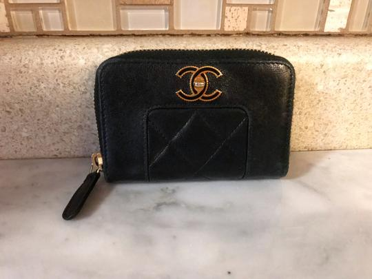Chanel Black Diamond Quilted Mademoiselle Compact CC Zip Wallet Image 4