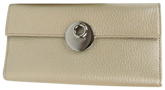 Item - Light Gold Eclipse Clutch Leather Continental 231835 9504 Wallet