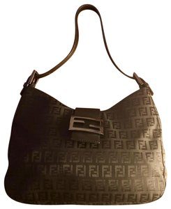 Fendi Bags on Sale - Up to 70% off at Tradesy
