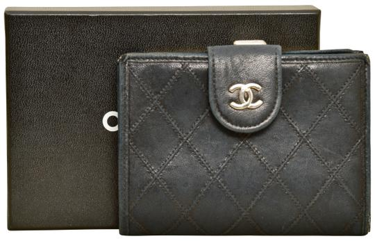 Preload https://img-static.tradesy.com/item/25261044/chanel-black-465-inch-quilted-lamb-leather-bifold-with-box-wallet-0-1-540-540.jpg