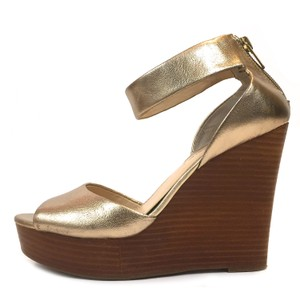 d318296873 Banana Republic Night Out Date Night Casual Travel Walk Gold Wedges