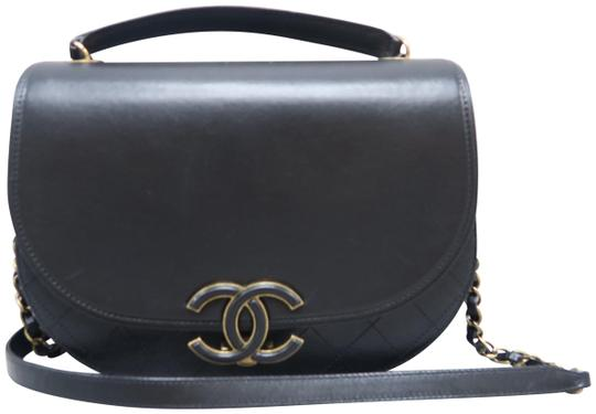 cd4bbb9c950ebd Chanel Coco Curve Medium Black Calfskin Messenger Bag - Tradesy