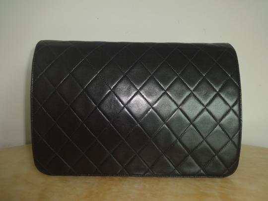 Chanel Vintage Shoulder Bag Image 2