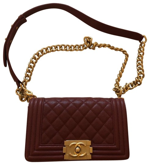 Preload https://img-static.tradesy.com/item/25263592/chanel-boy-and-used-only-once-in-small-burgundy-goat-skin-leather-cross-body-bag-0-1-540-540.jpg