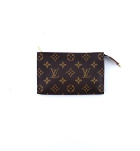 abe1a8d67604 Louis Vuitton Pochette Toiletry 17 Monogram Canvas Leather Cosmetics Travel  Dopp Bag
