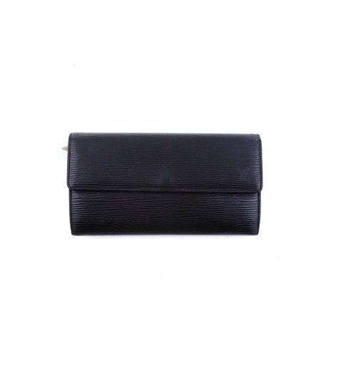 Preload https://img-static.tradesy.com/item/25265309/louis-vuitton-black-sarah-epi-coated-leather-long-clutch-wallet-0-0-540-540.jpg