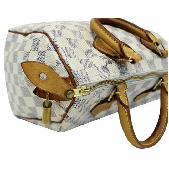 Louis Vuitton Satchel in off-white Image 3