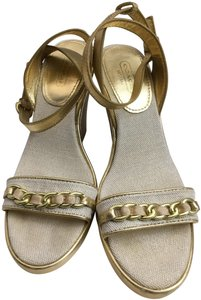 Coach Gold, Creme Wedges