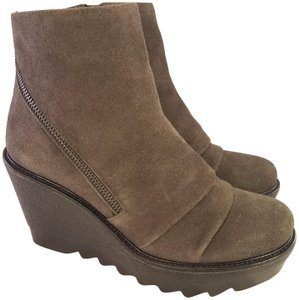 90deaa57e1f Brown Vince Camuto Boots   Booties - Up to 90% off at Tradesy