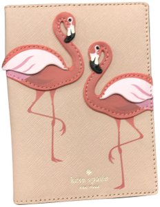 Kate Spade NWT KATE SPADE NEW YORK BY THE POOL FLAMINGO MULTI LTH PASSPORT CASE