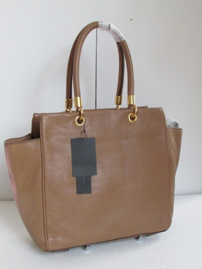Marc by Marc Jacobs Mj Too Hot To Handle Bentley Tote in TAN BROWN PRALINE/GOLD HARDWARE Image 1