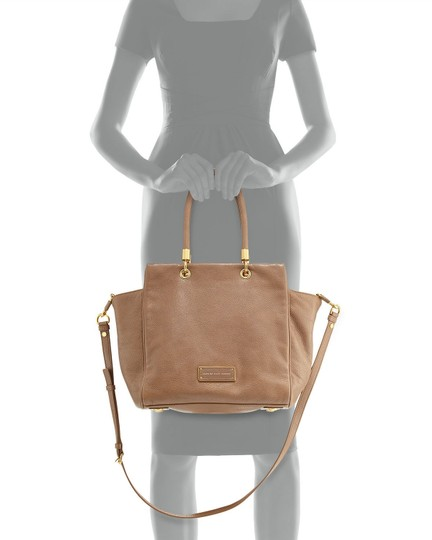 Marc by Marc Jacobs Mj Too Hot To Handle Bentley Tote in TAN BROWN PRALINE/GOLD HARDWARE Image 3