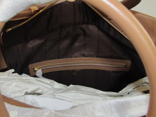 Marc by Marc Jacobs Mj Too Hot To Handle Bentley Tote in TAN BROWN PRALINE/GOLD HARDWARE Image 4