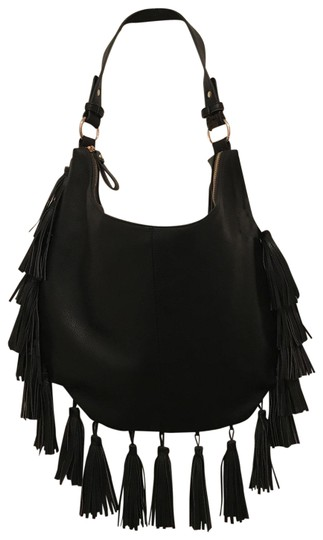 Preload https://img-static.tradesy.com/item/25267692/antik-kraft-new-lg-tassels-black-gold-faux-leather-shoulder-bag-0-1-540-540.jpg