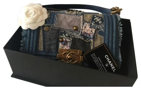 Preload https://img-static.tradesy.com/item/25267809/chanel-boy-small-patchwork-blue-denim-cross-body-bag-0-1-540-540.jpg