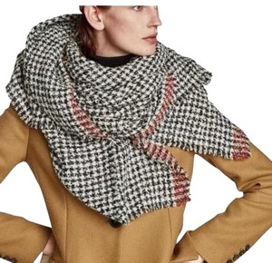 Zara Soft feel houndstooth scarf with contrasting striped detail