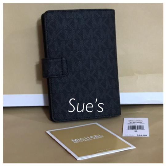 Michael Kors nwt mk Signature Passport Holder- Black Image 1