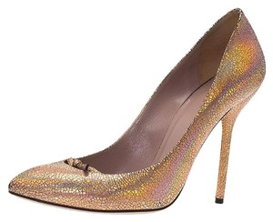 63a2564d451e Gucci Heels and Pumps - Up to 70% off at Tradesy