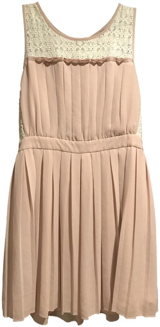 Item - Beige Contemporary Short Casual Dress Size 8 (M)