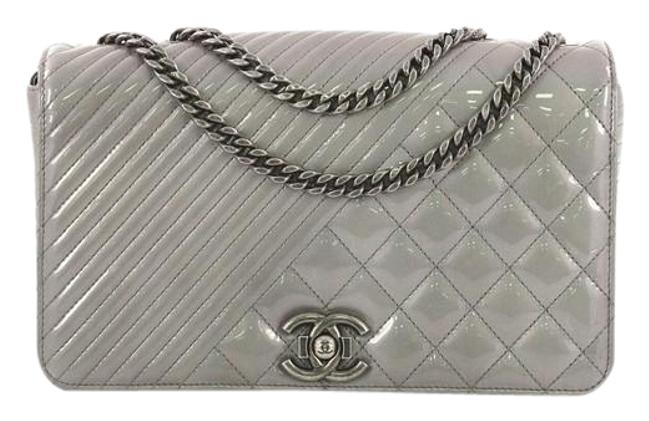 Item - Classic Flap Boy Coco Quilted Medium Gray Patent Leather Shoulder Bag