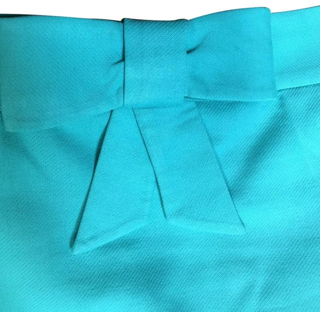 Preload https://img-static.tradesy.com/item/25270714/jcrew-turquoisegreen-bow-pencil-skirt-size-0-xs-25-0-1-650-650.jpg