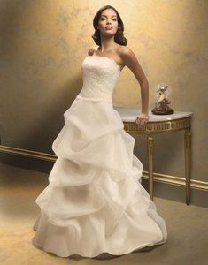 Paloma Blanca Ivory Lace Organza 3609 Feminine Wedding Dress Size 4 (S)