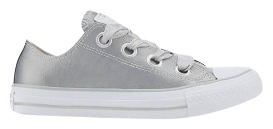 Preload https://img-static.tradesy.com/item/25270936/converse-silver-women-s-chuck-taylor-all-star-big-eyelets-ox-trainers-metallic-silversilverwhite-sne-0-1-540-540.jpg