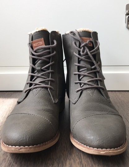TOMS brown Boots Image 1