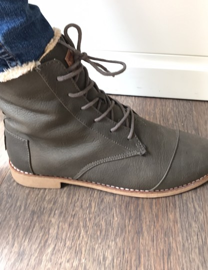 TOMS brown Boots Image 6