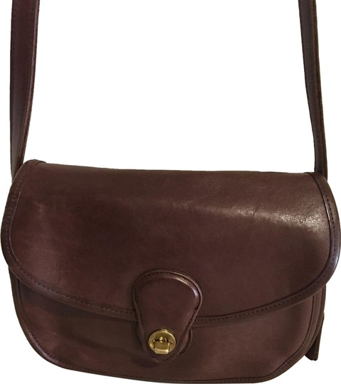 Preload https://img-static.tradesy.com/item/25271110/coach-vintage-handbag-brown-leather-cross-body-bag-0-1-540-540.jpg