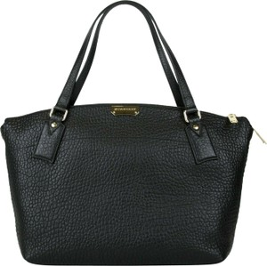Burberry Grain Leather Medium Welburn Tote in Black