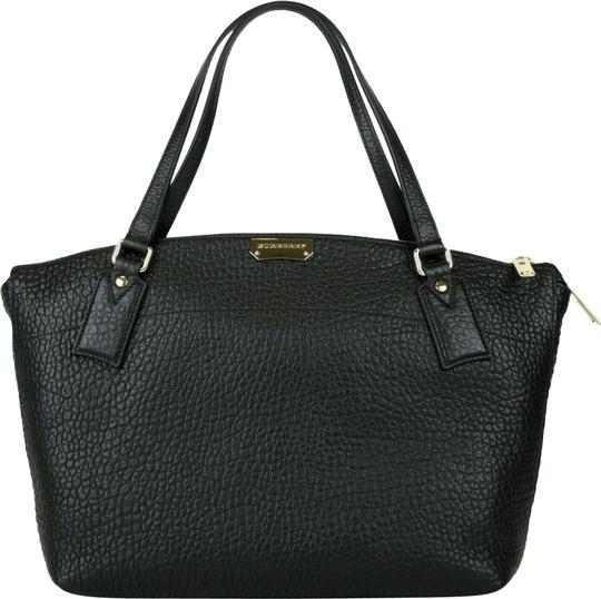 Preload https://img-static.tradesy.com/item/25271118/burberry-grain-medium-welburn-4014122-black-leather-tote-0-1-540-540.jpg
