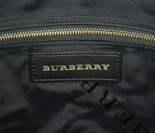 Burberry Grain Leather Medium Welburn Tote in Black Image 8