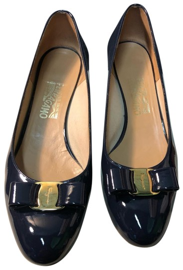 Preload https://img-static.tradesy.com/item/25271680/salvatore-ferragamo-patent-leather-blue-pumps-size-us-11-regular-m-b-0-1-540-540.jpg