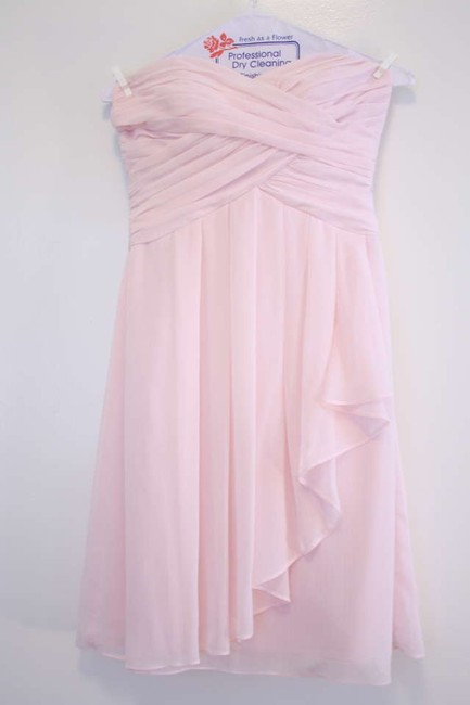 Item - Pink Chiffon Short Crinkle Front Cascade and Sweetheart Neckline (F14847) Formal Bridesmaid/Mob Dress Size 2 (XS)