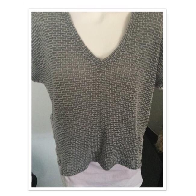 Preload https://img-static.tradesy.com/item/25272145/american-eagle-outfitters-grey-high-low-knit-tunic-size-14-l-0-0-650-650.jpg