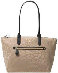 Michael Kors Travel Work School Business Beach Purse Water Resistant Pur Luggage Carryon Carr Neverfull Suitcase Tote in beige/tan/blacl/gold