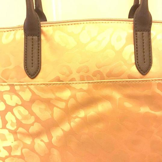 Michael Kors Travel Work School Business Beach Purse Water Resistant Pur Luggage Carryon Carr Neverfull Suitcase Tote in beige/tan/blacl/gold Image 7