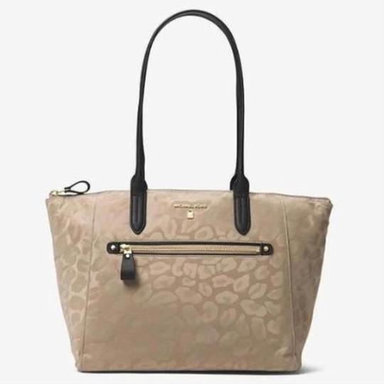Michael Kors Travel Work School Business Beach Purse Water Resistant Pur Luggage Carryon Carr Neverfull Suitcase Tote in beige/tan/blacl/gold Image 8