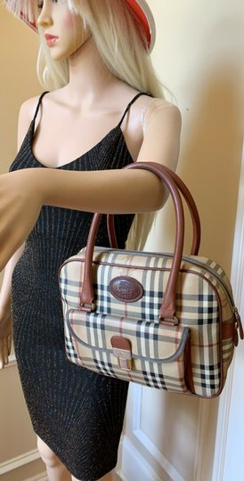 Burberry London Of Vintage Nova Check Leather Satchel in Beige, Brown Image 3