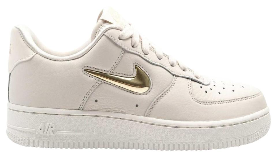 the latest cce35 743dc Nike White (Cream) Women's Air Force 1 '07 Prm Lx Metallic Gold Star  Sneakers Size US 10 Regular (M, B) 35% off retail