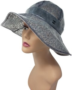 6782064800e46f Chanel Grey sequin-embellished lace clear vinyl Chanel CC logo rain hat