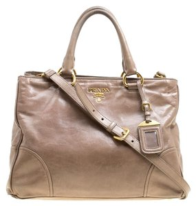 61d2b748a49523 Prada Bags on Sale - Up to 70% off at Tradesy (Page 2)