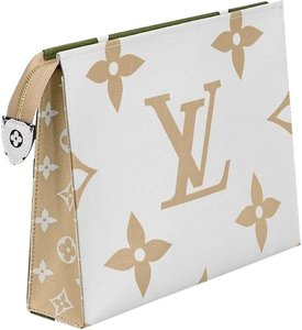 Louis Vuitton Giant Monogram Toiletry Pouch 26 XL Limited Edition