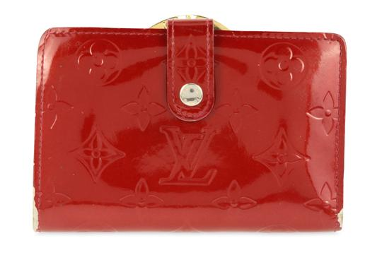 Preload https://img-static.tradesy.com/item/25277158/louis-vuitton-red-pomme-d-amour-french-purse-wallet-0-1-540-540.jpg