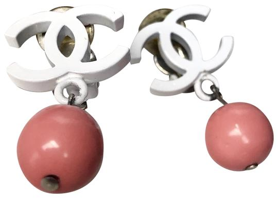 Preload https://img-static.tradesy.com/item/25277442/chanel-pink-and-white-vintage-enamel-cc-ball-clip-on-earrings-0-2-540-540.jpg