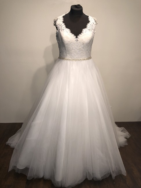 Item - Ivory/Silver Tulle 9162 Formal Wedding Dress Size 18 (XL, Plus 0x)