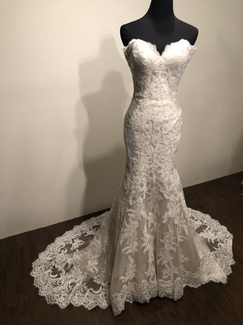 Allure Bridals Ivory/Champagne Lace and English Net 9250 Formal Wedding Dress Size 2 (XS) Allure Bridals Ivory/Champagne Lace and English Net 9250 Formal Wedding Dress Size 2 (XS) Image 1