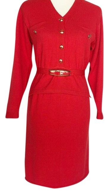 Item - Red Blazer And Skirt Suit Size 4 (S)